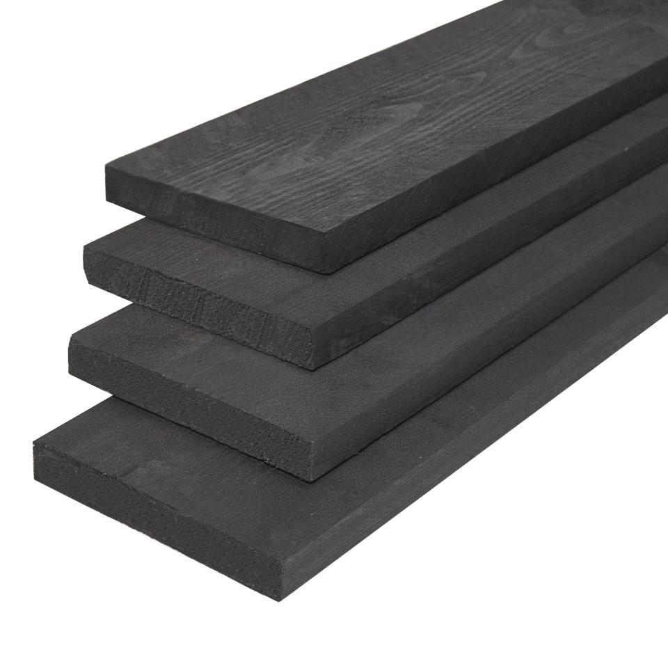 Zwarte houten steigerplank midden-europese vuren 2.9 x 19 cm.
